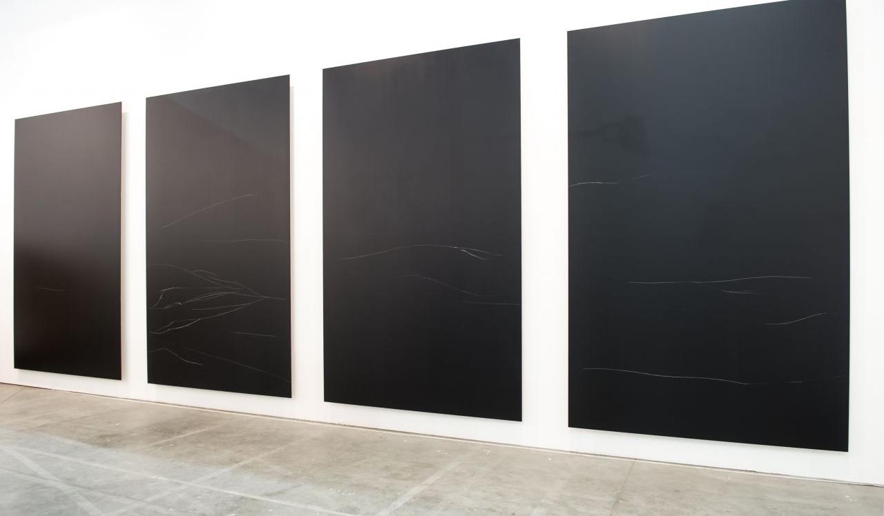 Anne Imhof - Untitled 2 (Der Schwan), 2015 | Incisione su alluminio laccato (cm 244 x 150 x 5) | courtesy Galleria Isabella Bortolozzi, Berlino